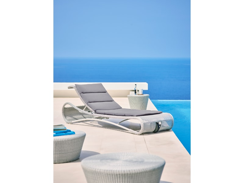 Escape_sunbed_white-grey_3_f7 (1)-min