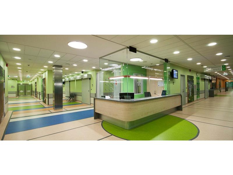 registratuurilett_komposiitkiviga_põhjaeestiregionaalhaigla_lettide_mööbel_palazzo_Interiors